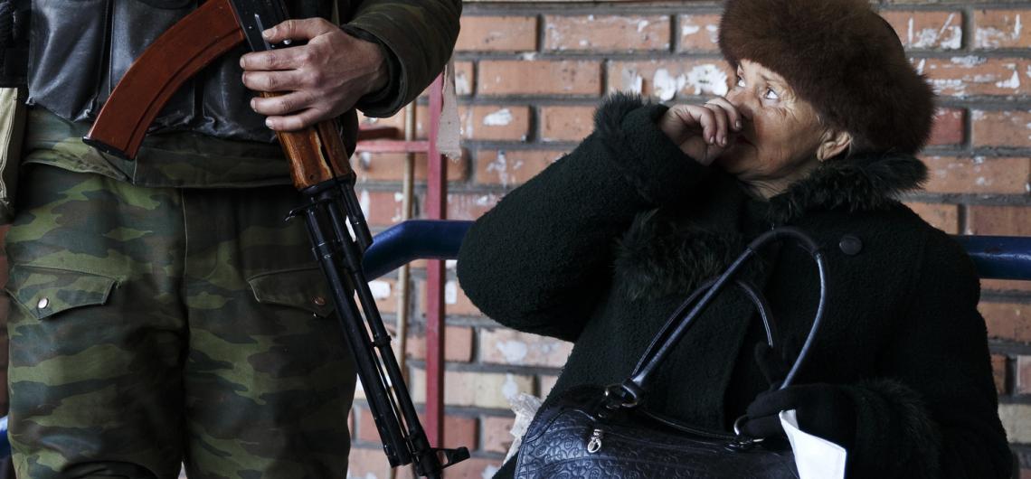 Us Ukraine Woman Looks 103