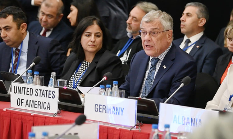 Ambassador Michael Kozak delivers the U.S. opening statement at the 2018 OSCE HDIM. (USOSCE/Colin Peters)